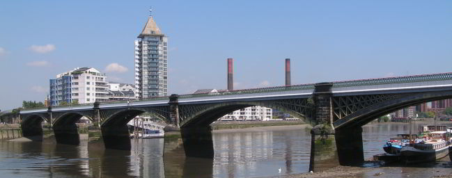 BATTERSEA BRIDGE: Scene of a dive by Tommy Burns on 19th November 1896. An earlier attempt on 17th Nover was foiled by the railway company.